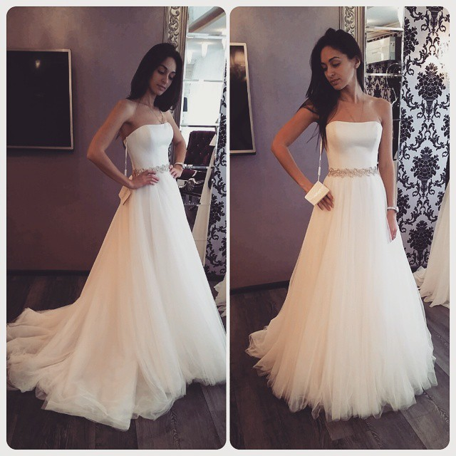 Simply Strapless A-line Long Tulle Wedding Dresses Bridal