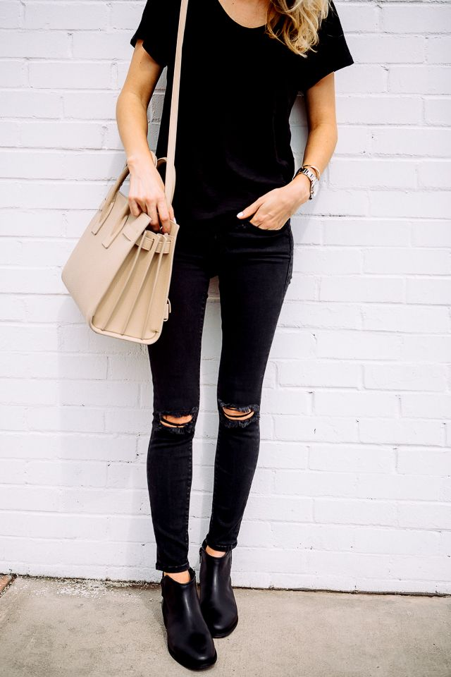 Black destroyed skinny jeans outfit