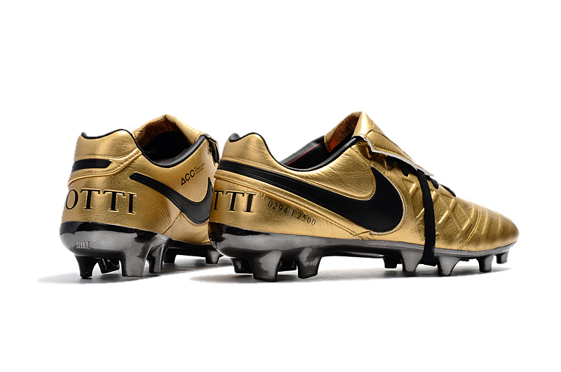 sports shoes 7addd 8d1d3 Nike Tiempo Totti X Roma Gold Black sold by cleatssale4A