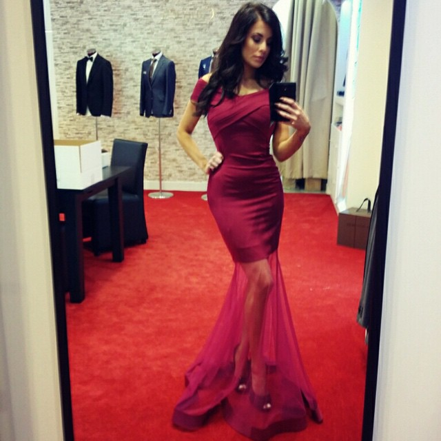 484553c6b1 Off The Shoulder Mermaid Formal Evening Gown Burgundy Prom Dress Tulle Skirt