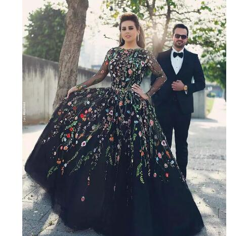 Evening Dresses 2018 Long Sleeves Floral Embroidery Jewel Neck Plus Size  Black Prom Party Dresses Formal Gown With Backless sold by bettybridal