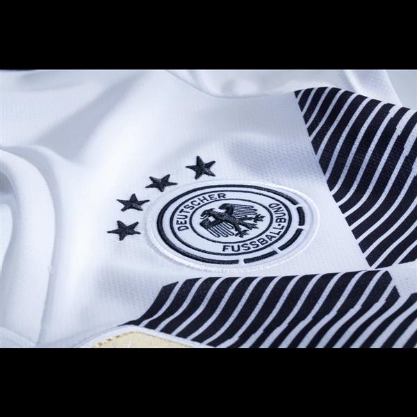 buy online fdf70 746cb Leon Goretzka #19 Germany National Team Home Soccer Jersey,Deutschland  Men's Stadium Shirt White from HoHo Jersey Collection