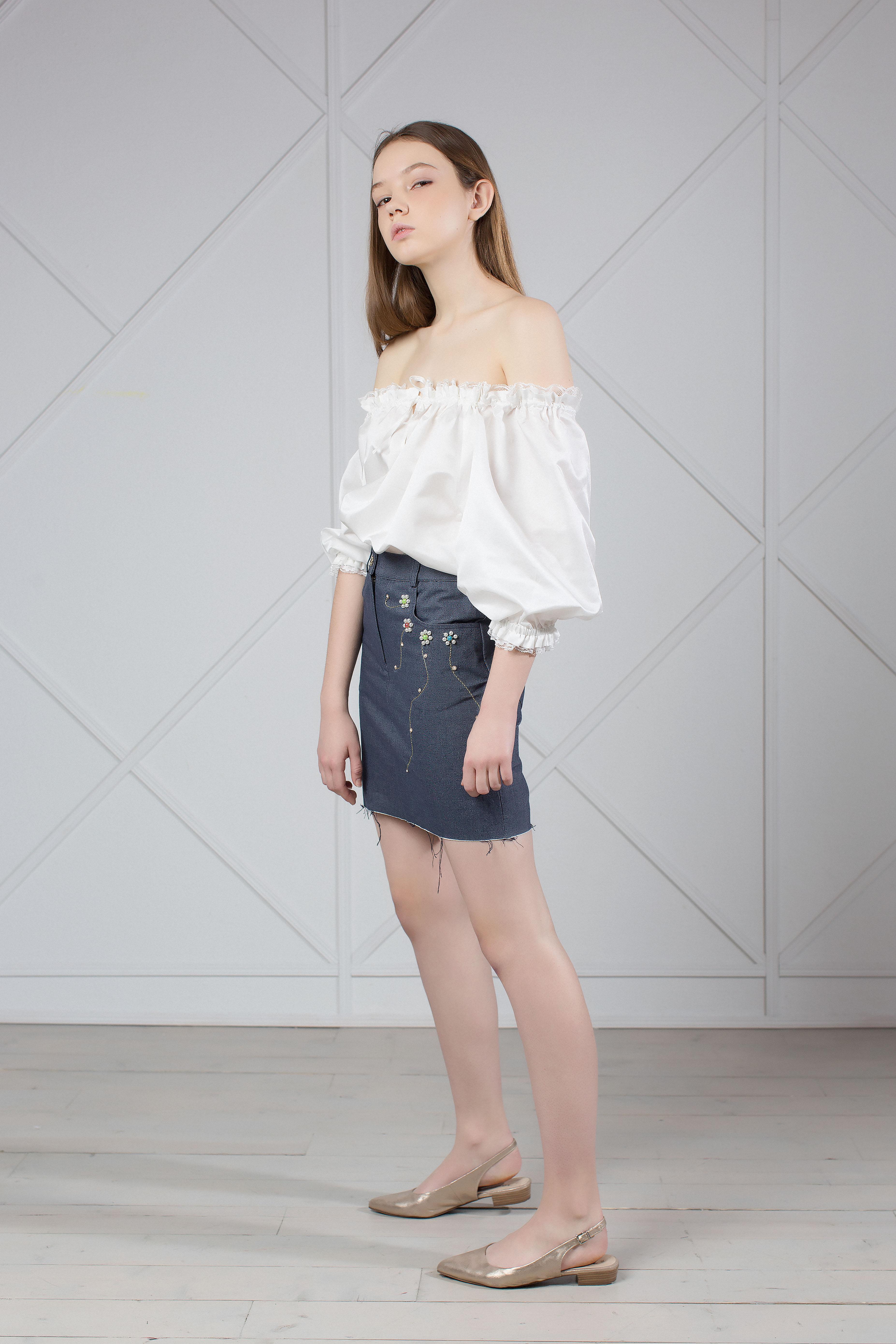 e8ead08ea8 Floral Embroidered Skirt, Short Denim Skirt, Stretch Denim Mini ...