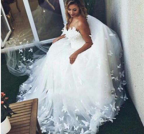 Custom Made Off The Shoulder Lace Appliqued Tulle Wedding Gowns 2019  Romantic Sweetheart Ball Gown Wedding Dress Plus Size Vestido from Wedding  store