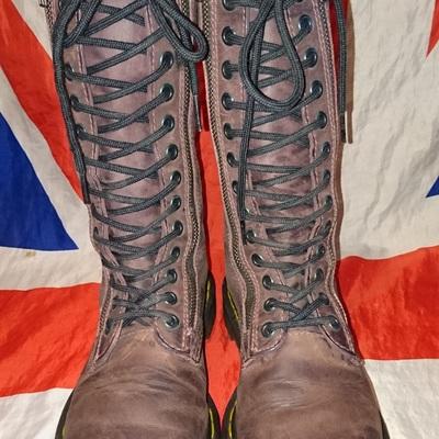 c1105ee7feaa Rare 9733 - brown burgundy double zip calf high dr doc martens - uk 4