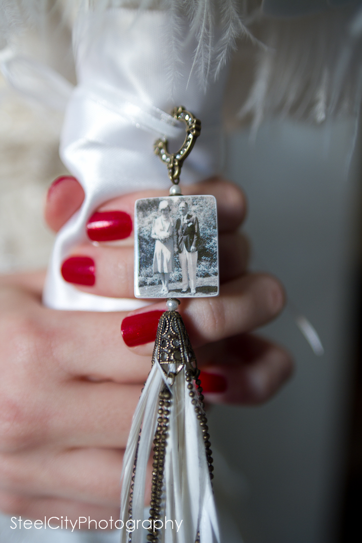 Bc37 Vintage Style Bridal Bouquet Photo Memorial Charm
