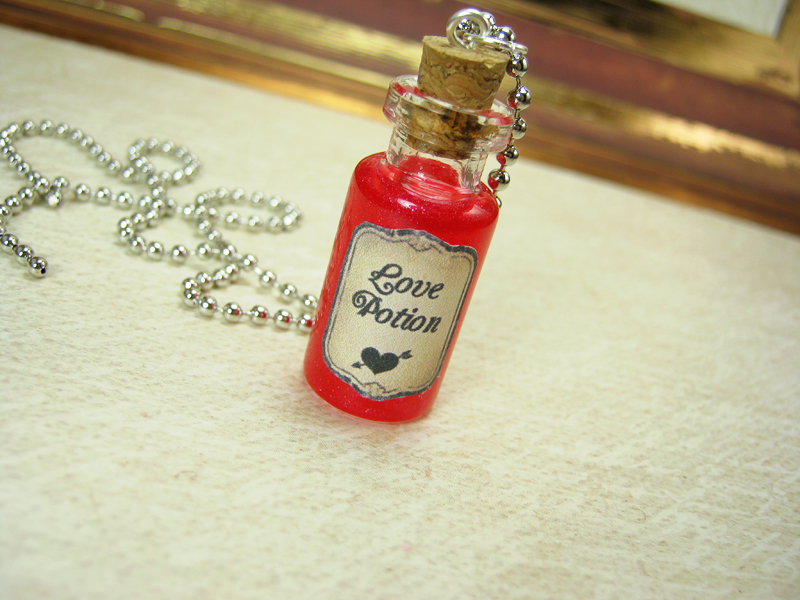 Love Potion 2ml Glass Vial Necklace - Glass Bottle Pendant Charm - Valentine's Day Cupid Love ...